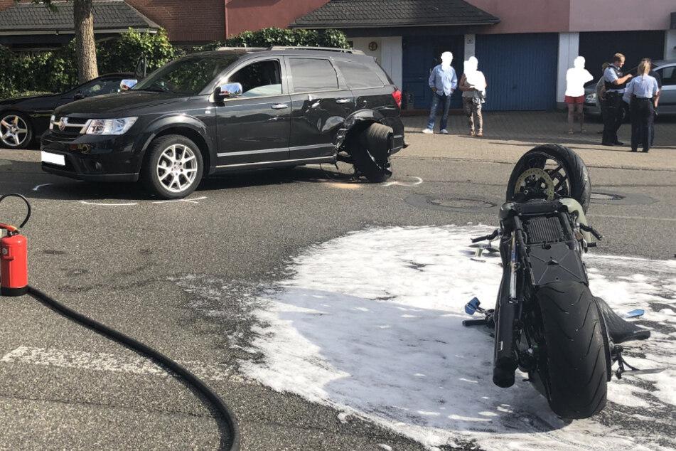 Vorfahrt genommen: Harley-Davidson-Fahrer schwer verletzt