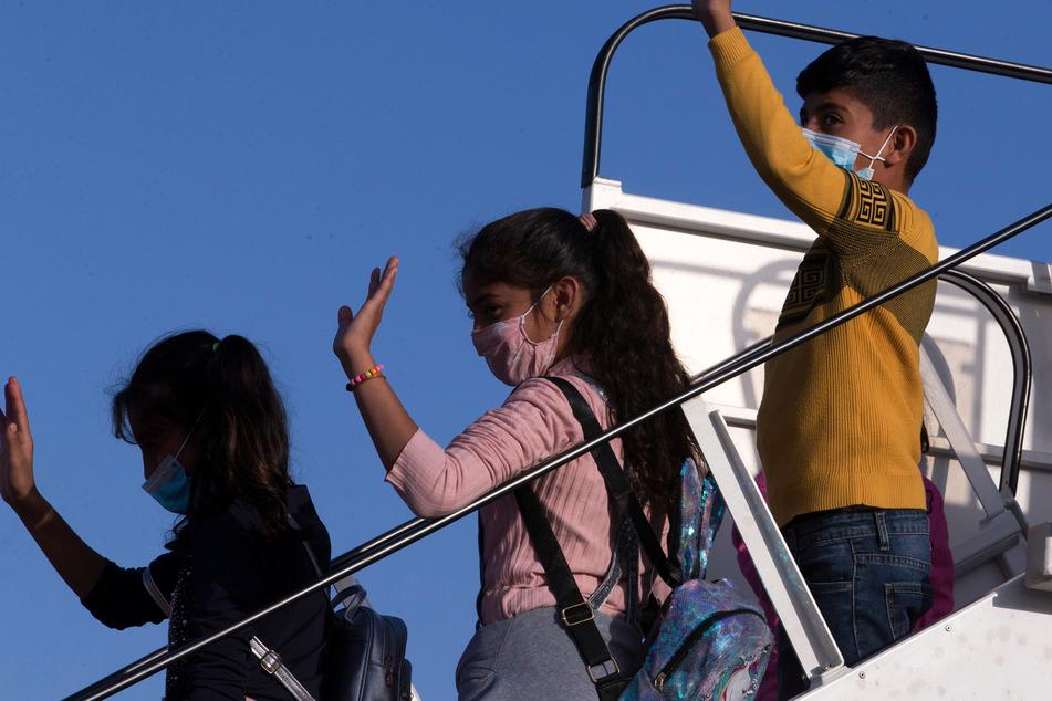 Mehr als 100 Flüchtlinge aus Griechenland in Deutschland gelandet