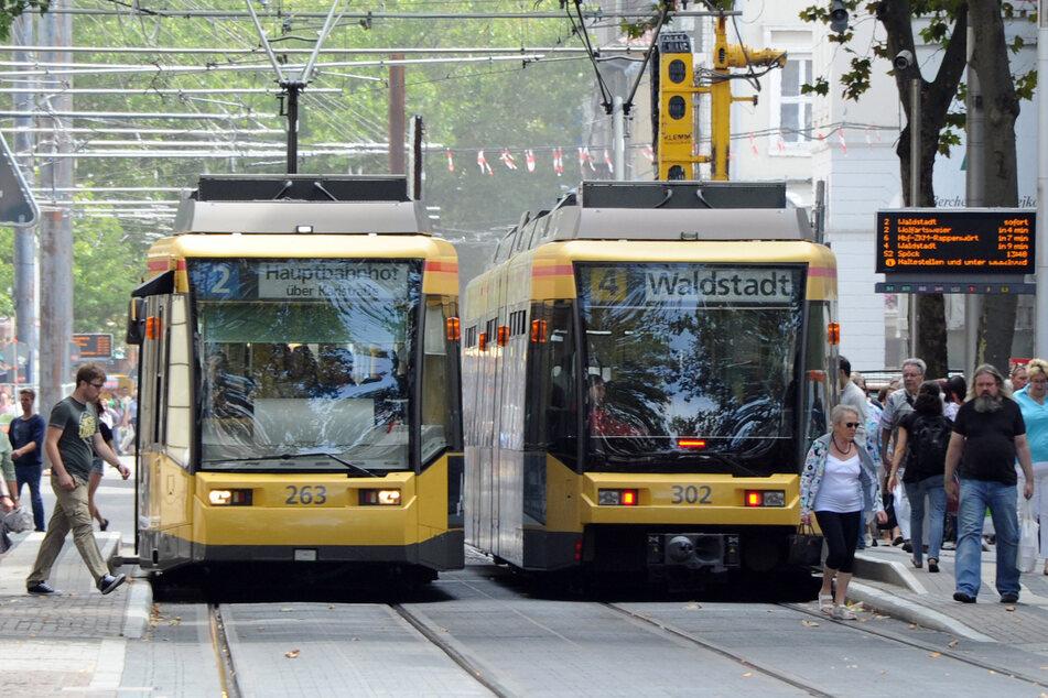 Pakete per Tram? Bis nächstes Jahr soll ein Prototyp für den Transport in der Region Karlsruhe entwickelt werden. (Archiv)