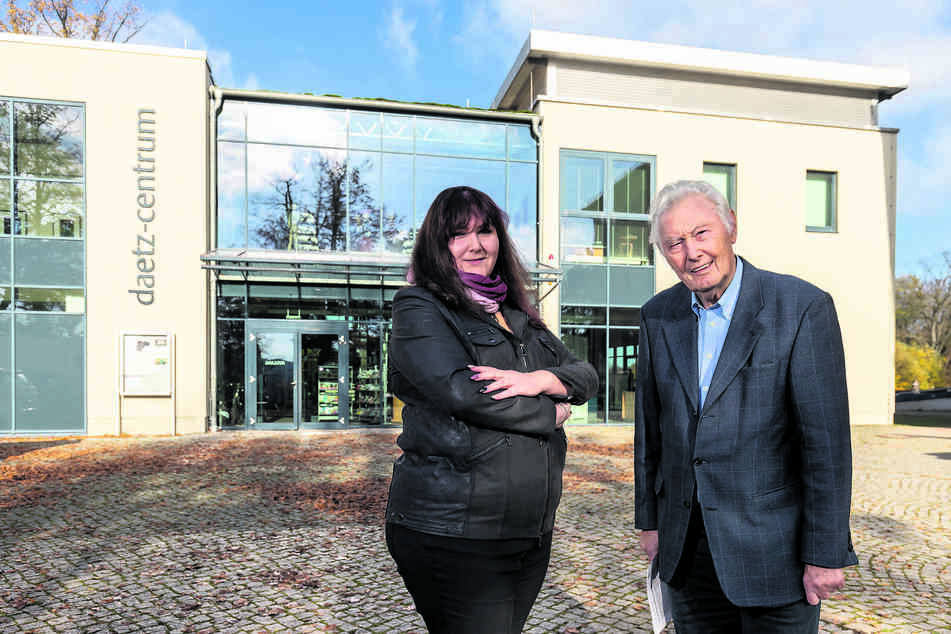 Haben vom Landgericht Zwickau recht bekommen: Vorstandsmitglied Mandy Weikelt (44) und Stiftungsgründer Peter Daetz (90).