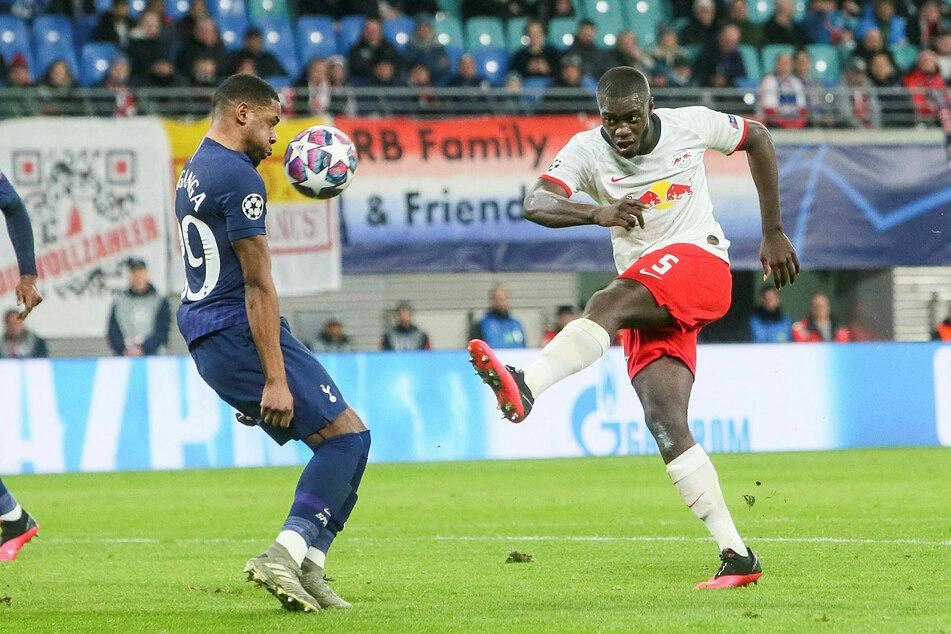 Dayot Upamecano ist ein umworbener Spieler. Nun hat sein Berater einen Verbleib bei RB in Aussicht gestellt.