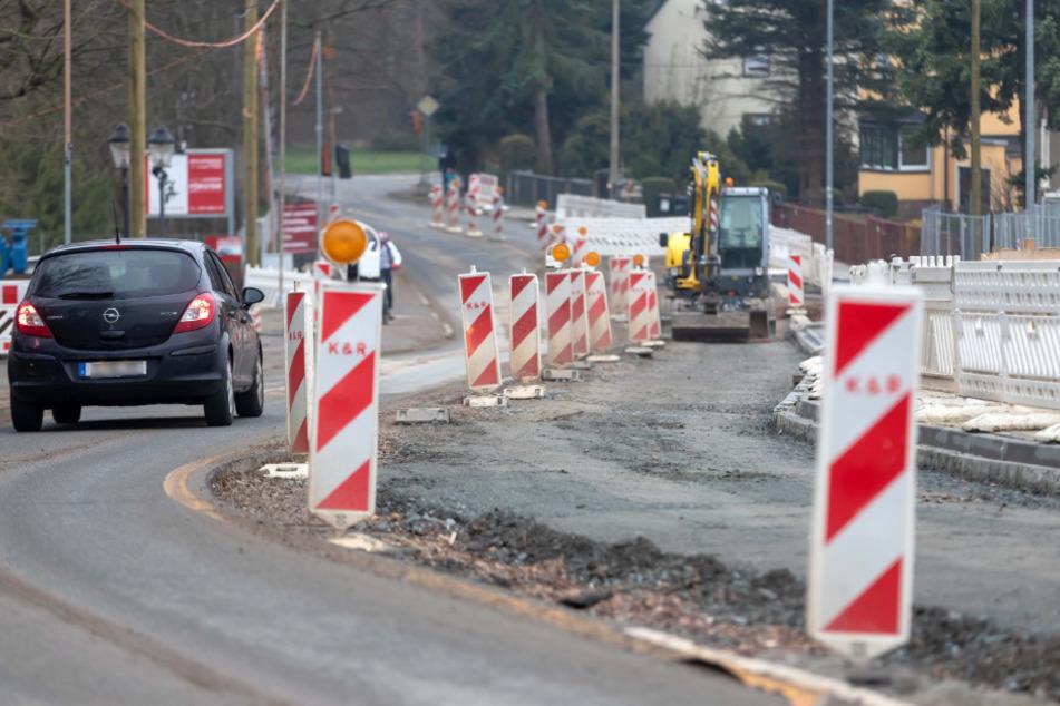 Die Erfenschlager Straße wird in Höhe des Bahnhofs Reichenhain ab Montag voll gesperrt.