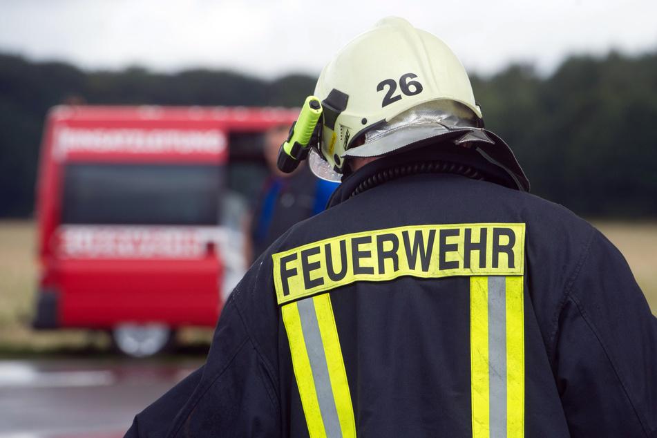Mehrere Gartenlauben in Brand: Schaden in fünfstelliger Höhe