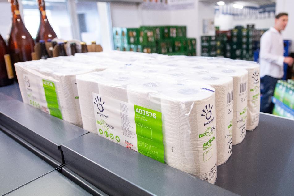 Stuttgart: Klopapier zum Einkaufspreis: Getränkehändler von der Rolle