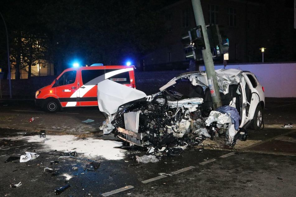 In Berlin-Steglitz hat es in der vergangenen Nacht heftig gekracht.