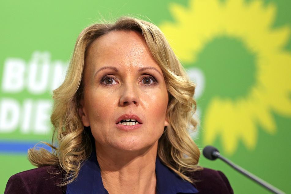 Die Parlamentarische Geschäftsführerin der Grünen-Bundestagsfraktion, Steffi Lemke, sorgt sich um den Temperaturanstieg der Nord- und Ostsee.