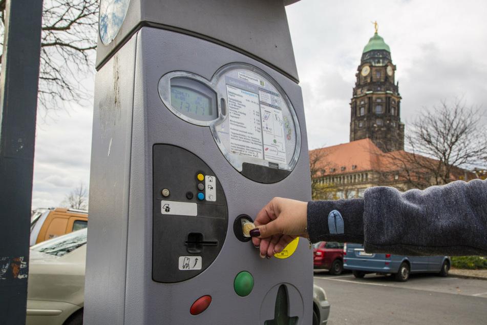 Wer künftig in Dresden parken will, muss mehr Geld einwerfen als bisher.