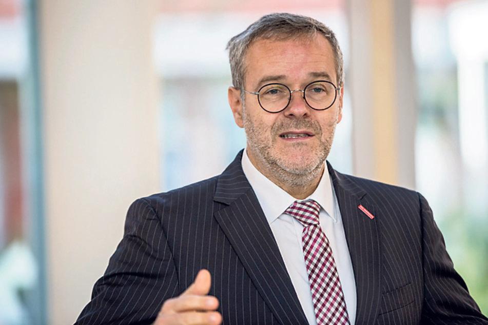 """Handwerkskammer-Präsident Dresden Jörg Dittrich (51) spricht von """"Marktversagen""""."""