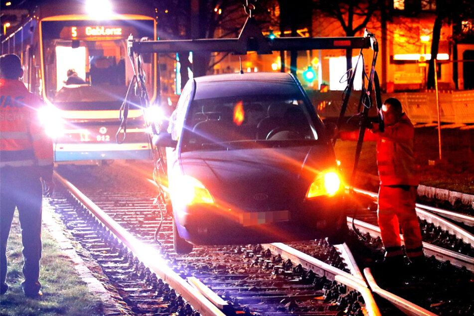 Ford bleibt im Gleisbett stecken: Fahrtausfälle bei CVAG