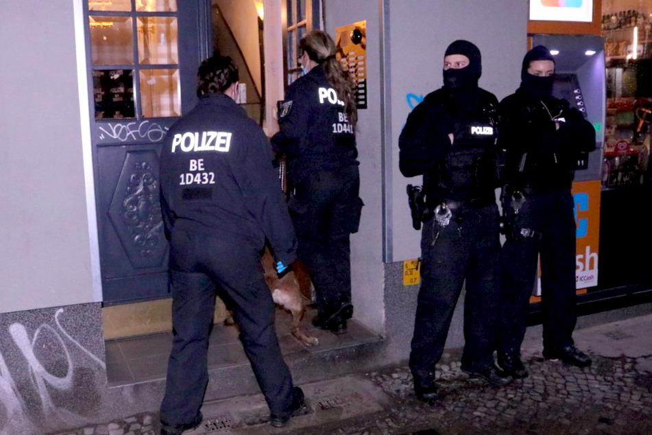 Remmo-Razzia in Berlin und Brandenburg! Polizei durchsucht mehr als 25 Objekte