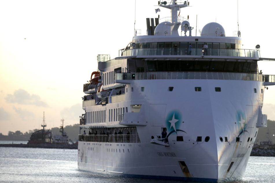 Fast 60 Prozent aller Passagiere infiziert: Kreuzfahrtschiff darf endlich anlegen