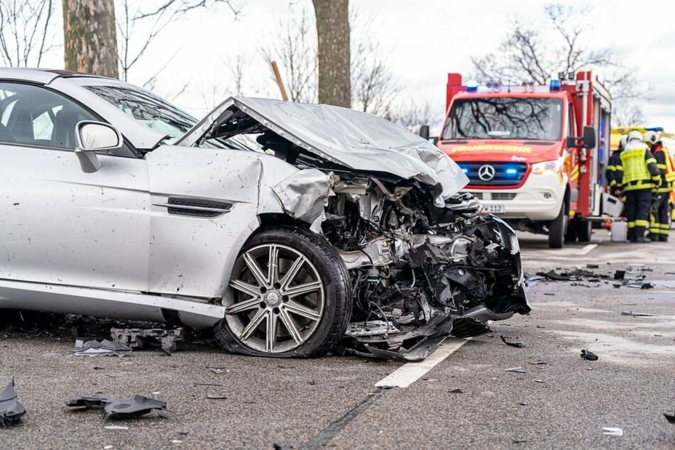 Frontalkollision in Auerbach: Zwei Frauen schwer verletzt
