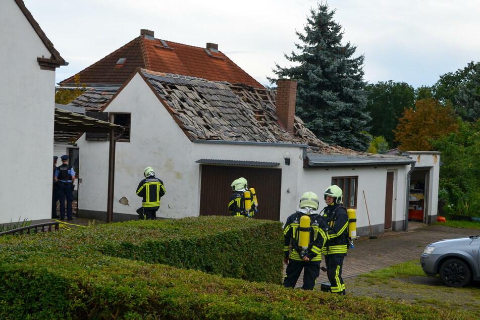 Der Dachstuhl des Nebengebäudes wurde stark beschädigt.