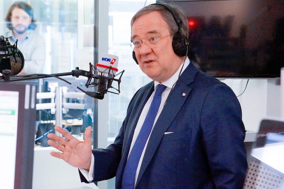 NRW-Ministerpräsident Armin Laschet beantwortete am Freitag die Fragen von Radiohörern während einer Radiosprechstunde bei WDR 2.