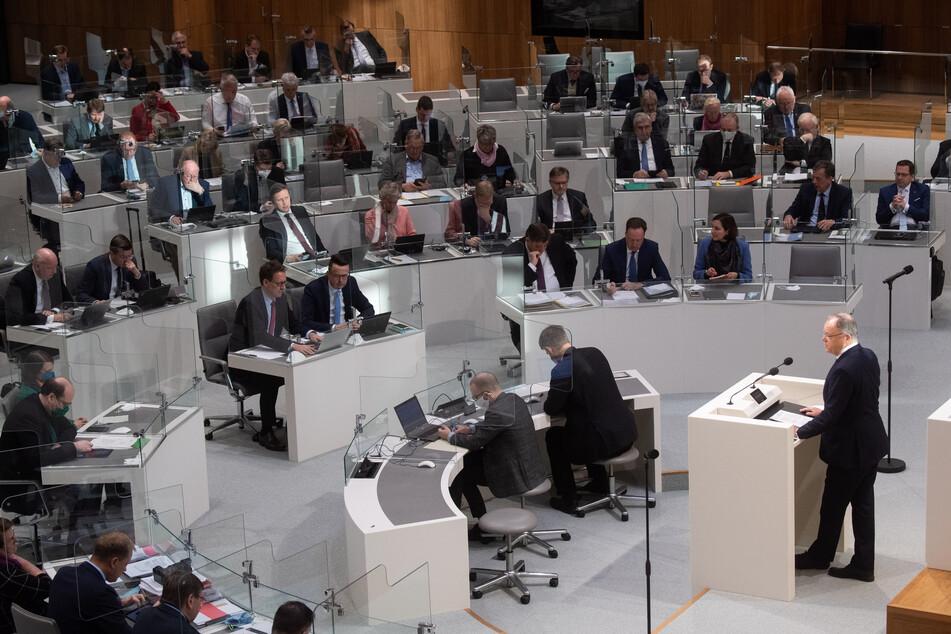 Einige Politiker werden den Landtag Niedersachsens verlassen.