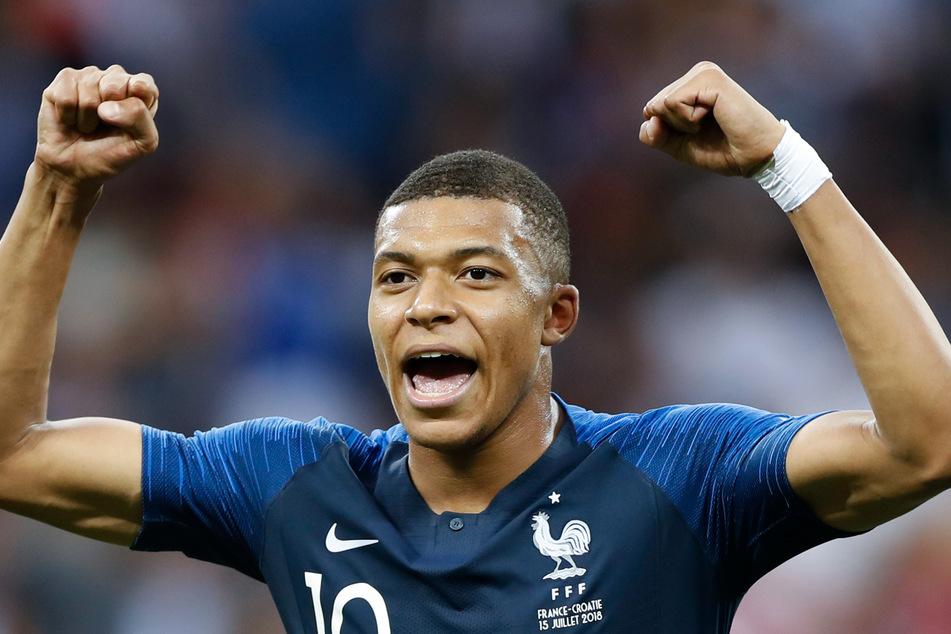 Um den französischen Nationalkicker Mbappé ranken sich seit Wochen Wechselgerüchte.