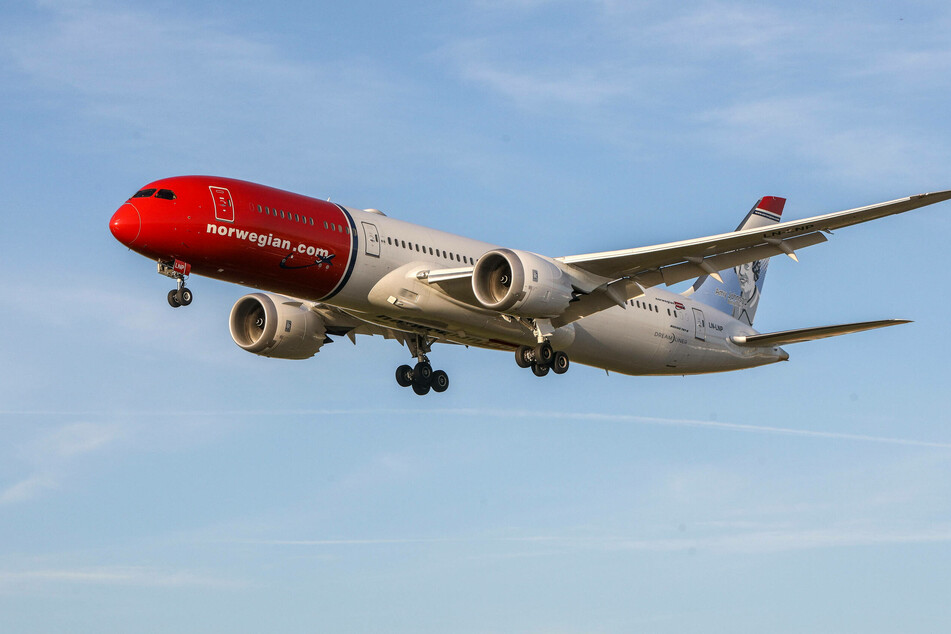A first step: the airline Norwegian wants to reduce its CO2 emissions by 45% within 20 years.