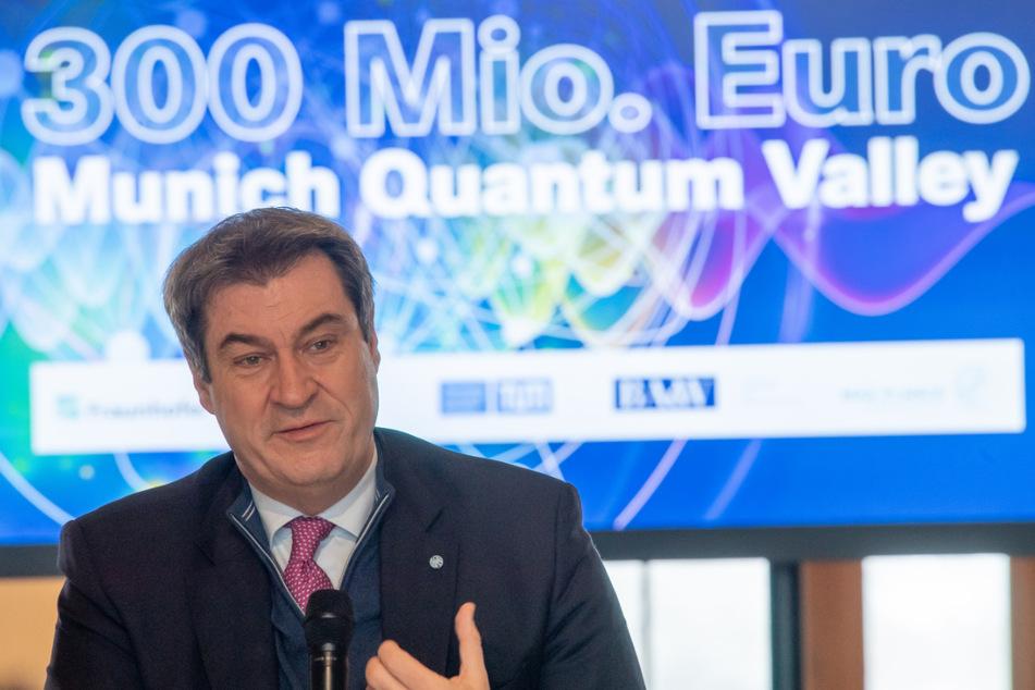 """Markus Söder (54, CSU), Ministerpräsident von Bayern, nimmt an der Unterzeichnung eines """"Memorandum of Understanding"""" zur Gründung der Forschungsinitiative """"Munich Quantum Valley"""" teil."""