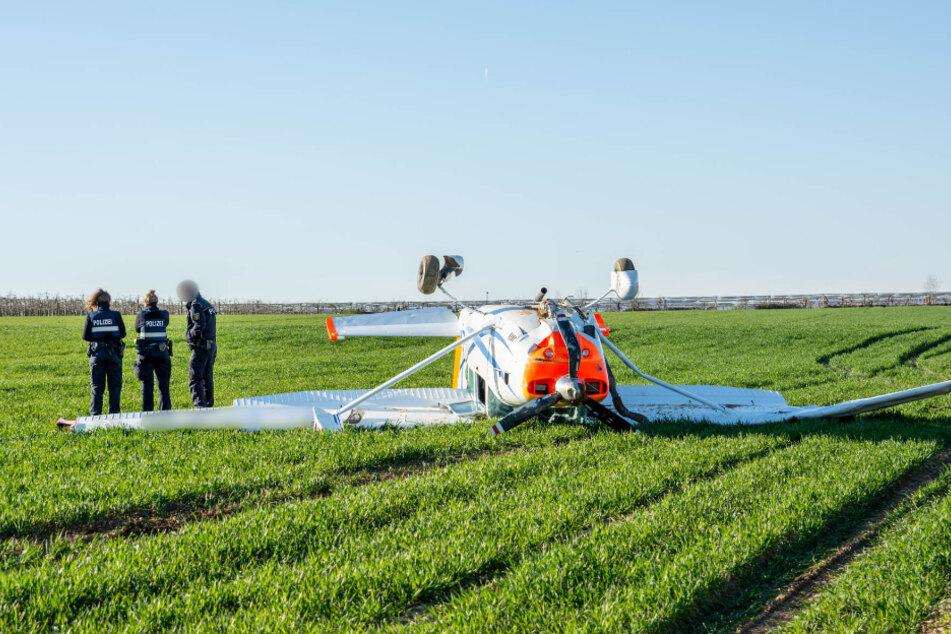 Kleinflugzeug meldet Motorprobleme und stürzt ab