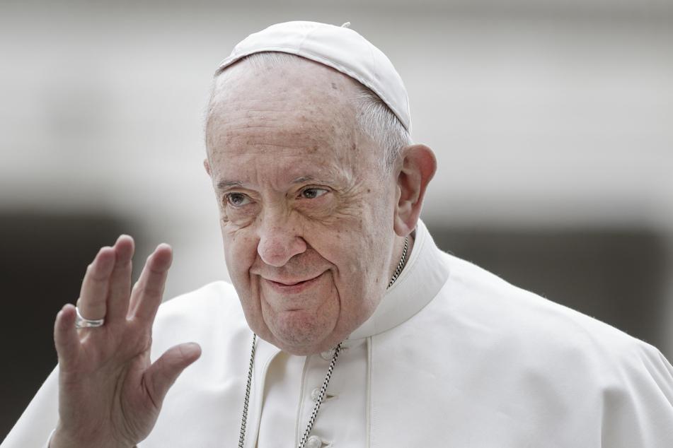 Papst Franziskus zeigt sich über Urlaubsreisende bitter enttäuscht.