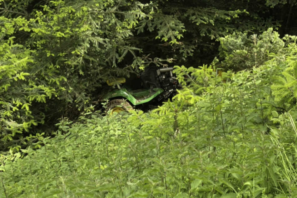 Der Traktorfahrer wurde bei dem Unfall schwer verletzt.