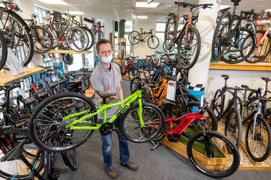 Insbesondere Kinderfahrräder werden derzeit im Balance Radsporthaus von Heiko Mette (43) ungewöhnlich gut verkauft.