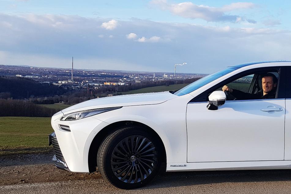 Chemnitz: Uni-Prof aus Chemnitz macht den Test: So fährt sich das neue Wasserstoff-Auto