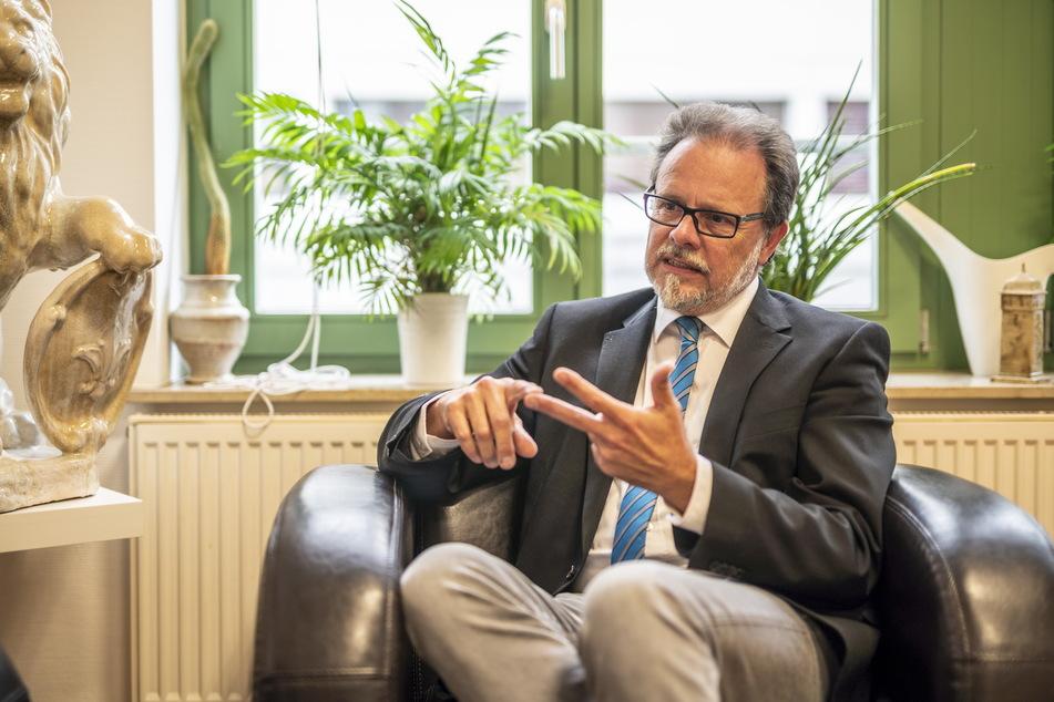 Bundestagsabgeordneter Frank Heinrich (57, CDU) tritt als Direktkandidat für den Wahlkreis Chemnitz an.