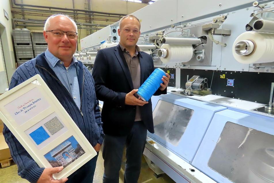 Sie ziehen bei SAXA-SYNTAPE die Fäden: Die Geschäftsführer Michael Weymann (59, l.) und Helmut Starlinger (41).