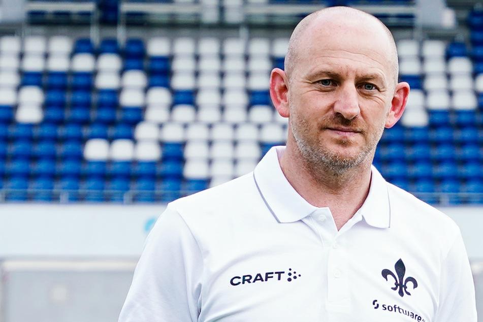 Trainer Torsten Lieberknecht (47) richtete sich mit einem Appell an die Spieler und Fans des SV Darmstadt 98.