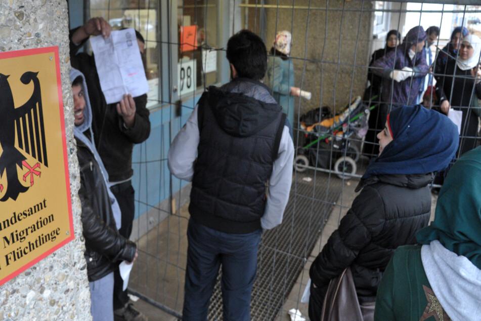 Zahl der Corona-Infektionen in Flüchtlings-Unterkunft explodiert: Umstände geben Rätsel auf
