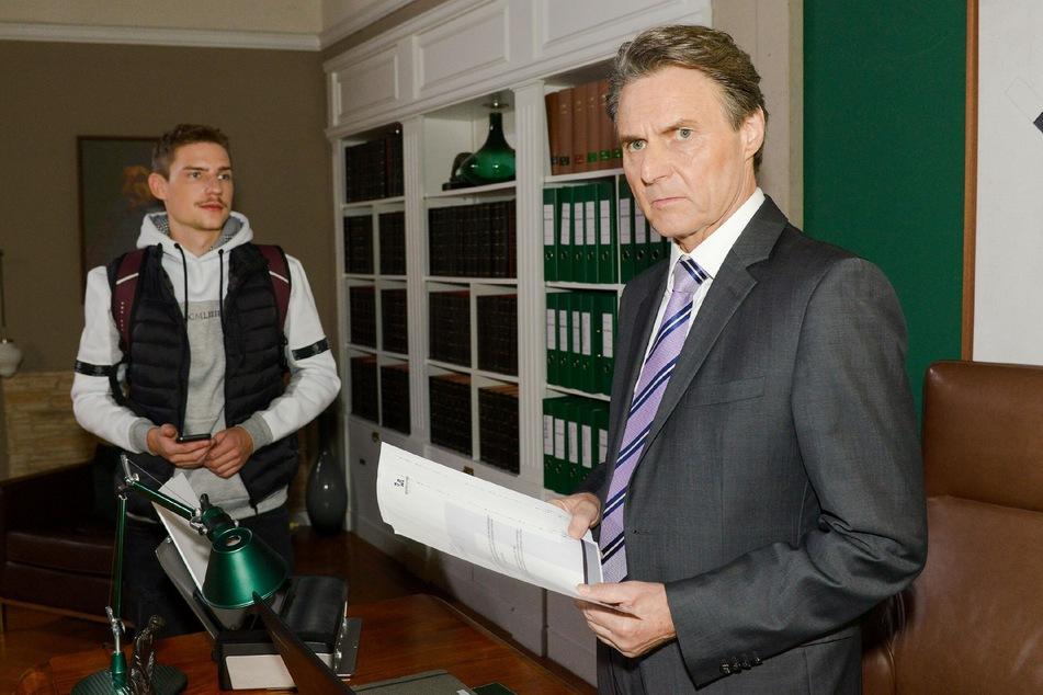 So kennen die GZSZ-Fans Jo Gerner: ganz seriös im Anzug.