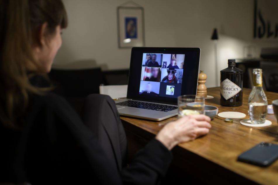 Home Office und Datenschutz: Müsst Ihr daheim die Videokamera einschalten?!