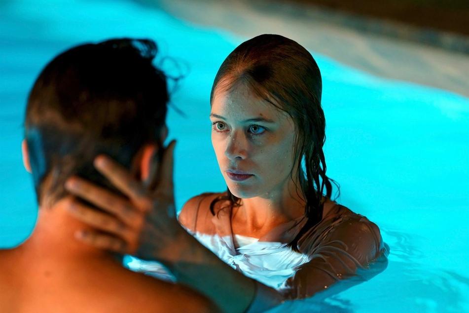 Als Undine erfährt, dass ihr Freund Johannes sie verlassen will, muss sie eine schwere Entscheidung treffen.