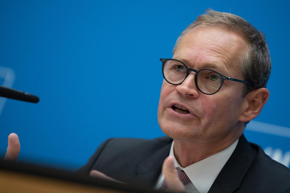 Der Berliner Senat rund um den Regierenden Bürgermeister Michael Müller (56, SPD) kämpft weiter für einen Mietendeckel in der Hauptstadt!