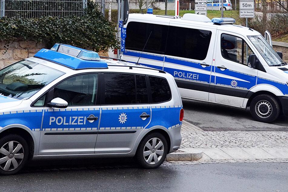 Polizei erwischt Roller-Diebe, Schläger und Drogenbesitzer bei Großeinsatz in der Neustadt