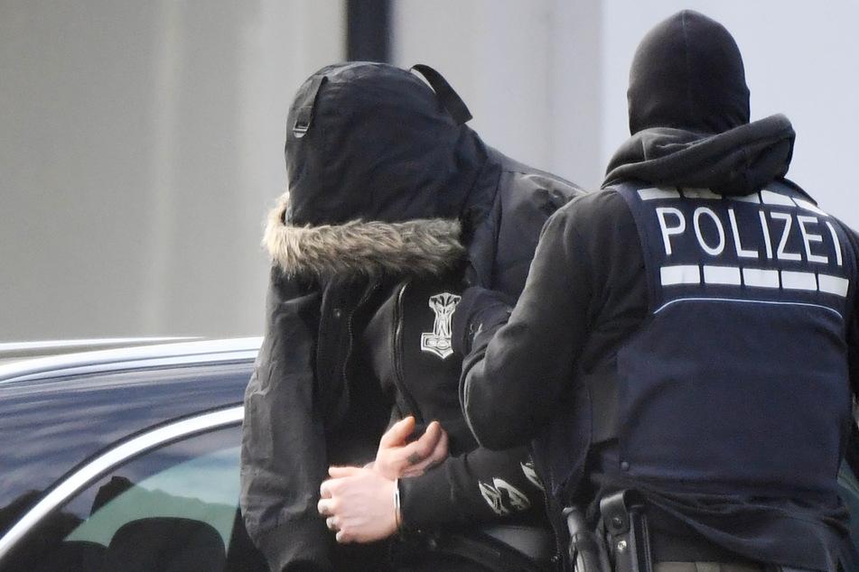 Anschläge auf Politiker und Asylbewerber geplant: Anklage gegen mutmaßliche Rechtsterroristen