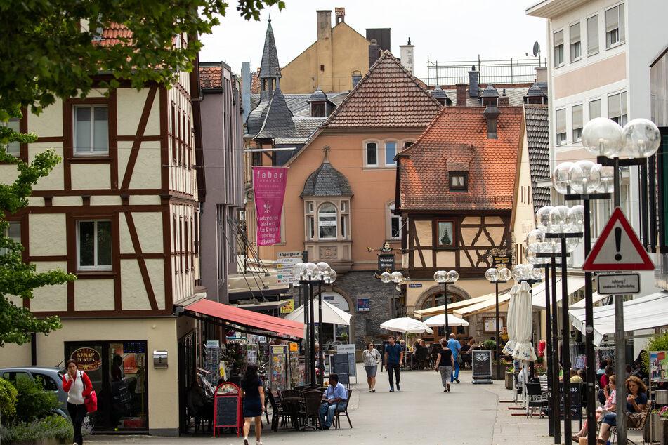 Blick auf die Obere Marktstraße in Bad Kissingen, was sich nun auch Unesco-Welterbe nennen darf.