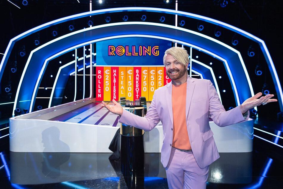 Ross Antony moderiert die Quizshow. Die Sendung mit Thomas Majka wurde als zehnte Episode der ersten Staffel am vergangenen Dienstag ausgestrahlt. Wer mag, kann die Folge in der Mediathek noch nachschauen.
