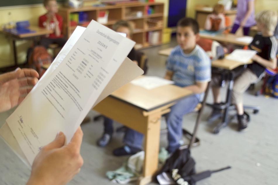 In Sachsen wird schon länger über Kopfnoten an Schulen gestritten. Jetzt sollen sie gesetzlich klar geregelt werden.