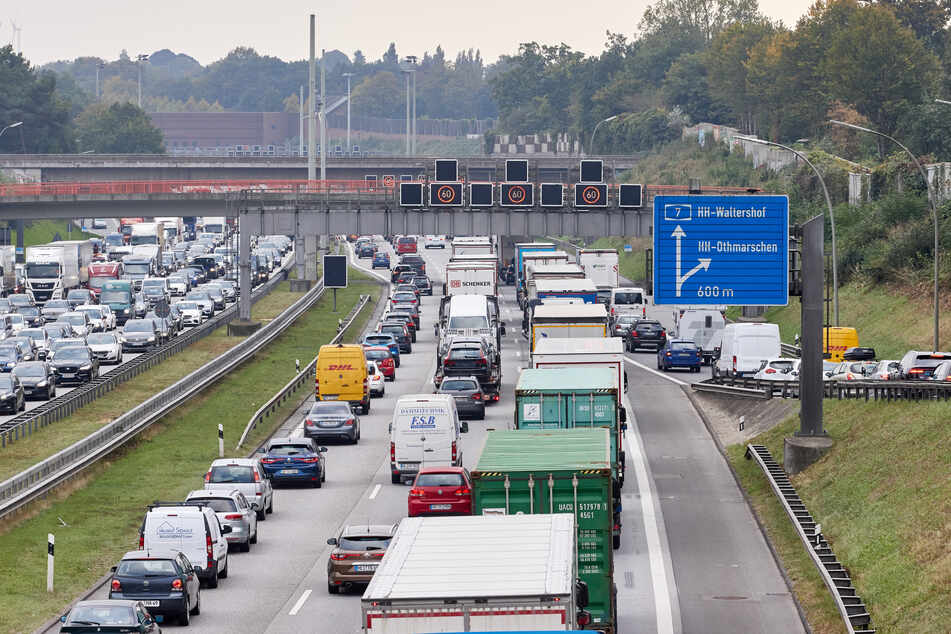 A7 ab Donnerstag gesperrt: Riesiges Stau-Chaos befürchtet!