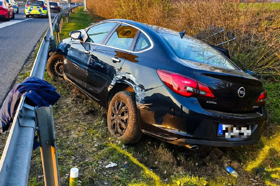 Der Opel-Fahrer geriet mit seinen Wagen ins Schleudern.
