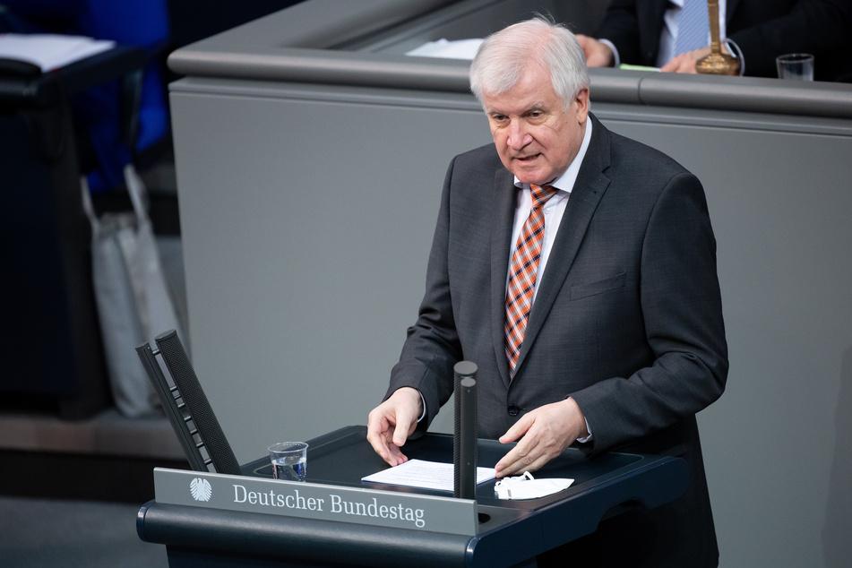 Bundesinnenminister Horst Seehofer (71, CSU) will Reisen aus und nach Deutschland nicht generell verbieten.
