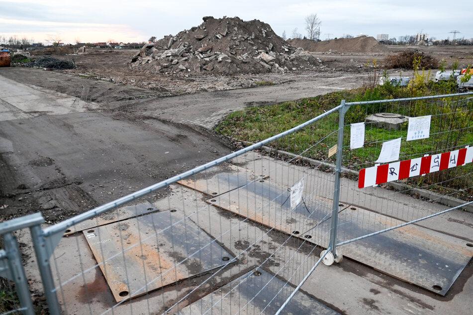 Auf der Baustelle des Fußball-Nachwuchsleistungszentrums in Halle (Saale) wurden erneut zwei Fliegerbomben aus dem Zweiten Weltkrieg entdeckt. (Archivbild)