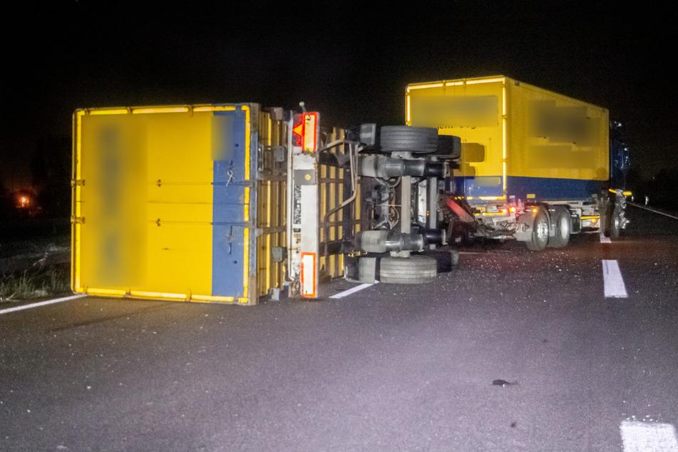 Autofahrerin prallt gegen Reh: Dann rauscht ein Lastwagen heran