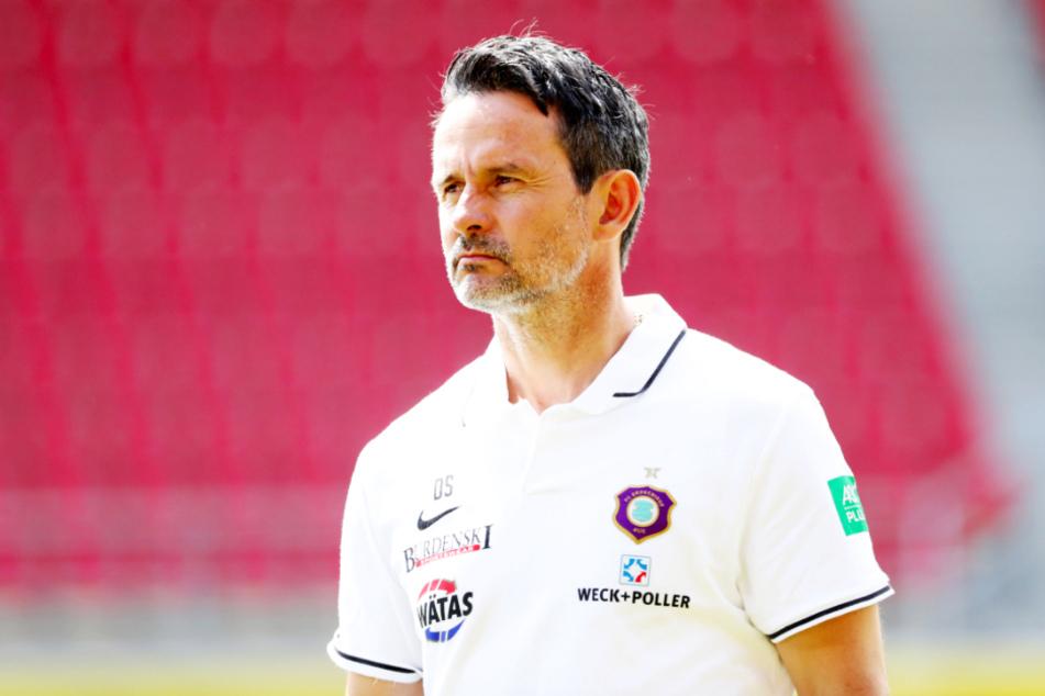 Aue-Coach Dirk Schuster wünscht sich mehr Ostklubs in der 2. Liga.