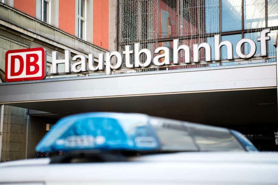 Am Münchner Hauptbahnhof wurde der Polizist attackiert. (Symbolbild)