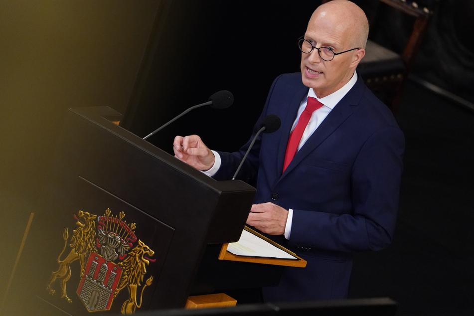 Hamburgs Bürgermeister Peter Tschentscher (55, SPD) will einen Pandemie-Rückfall durch eine fehlende Maskenpflicht verhindern. (Archivbild)
