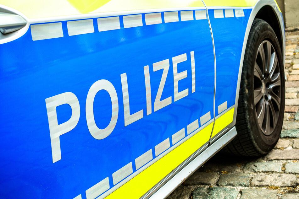 Sie wollte eigentlich nur helfen: Auto-Dieb beklaut 81-Jährige in Leipzig