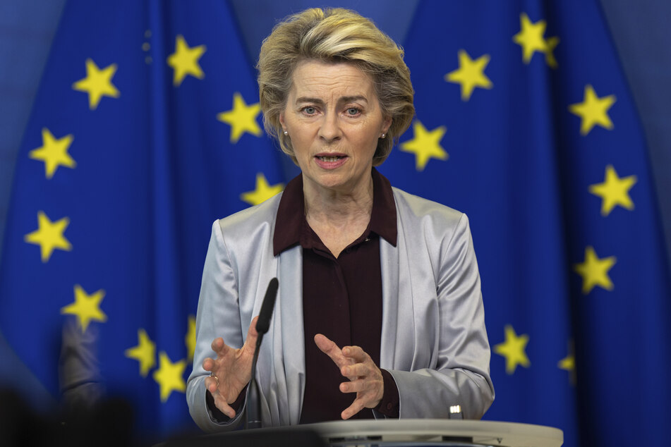 Covid-19 ist nach Angaben von EU-Kommissionspräsidentin Ursula von der Leyen mit fast 3000 Toten pro Tag in der vergangenen Woche Todesursache Nummer eins in der Europäischen Union gewesen.
